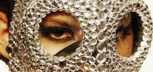 Crystal-coated Gas Mask