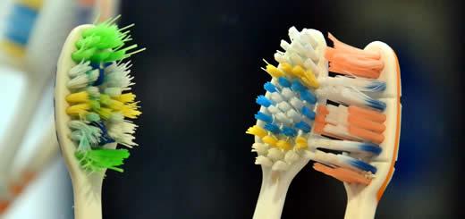 Toothbrushes - Gum - Disease