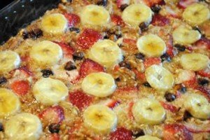 Baked Oatmeal with Strawberries, Banana and Chocolate Recipe