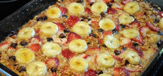 Baked Oatmeal with Strawberries, Banana and Chocolate Feature